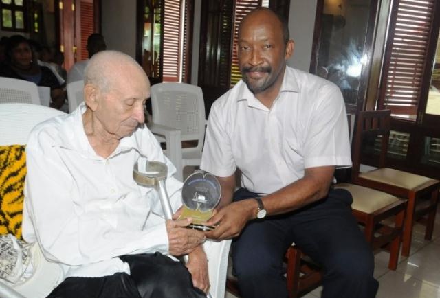 Seychelles' oldest man passes away