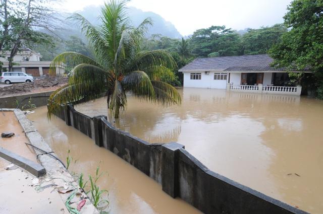 Heavy rainfall floods areas of Seychelles' 3 main islands