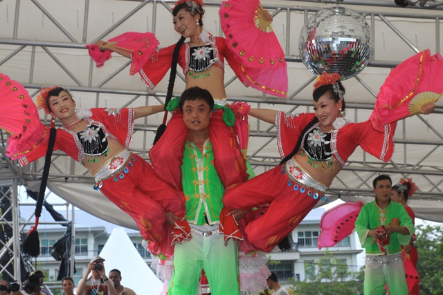 China outshines international floats at Seychelles' 2014 carnival