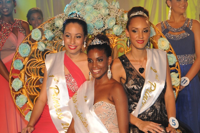 Camila Estico couronnée Miss Seychelles...another World 2014
