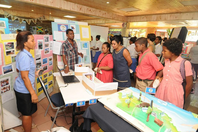 Seychelles school children creating awareness of small island states
