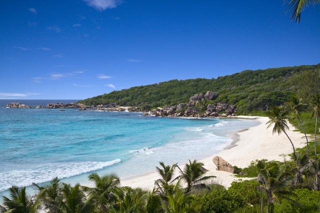 Super Croix lance une lessive au parfum des Seychelles