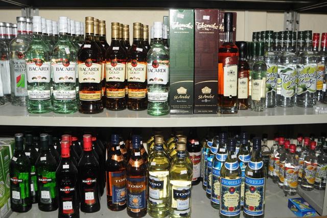 La police et l'autorité des licences des Seychelles intensifient les contrôles pour la vente d'alcool