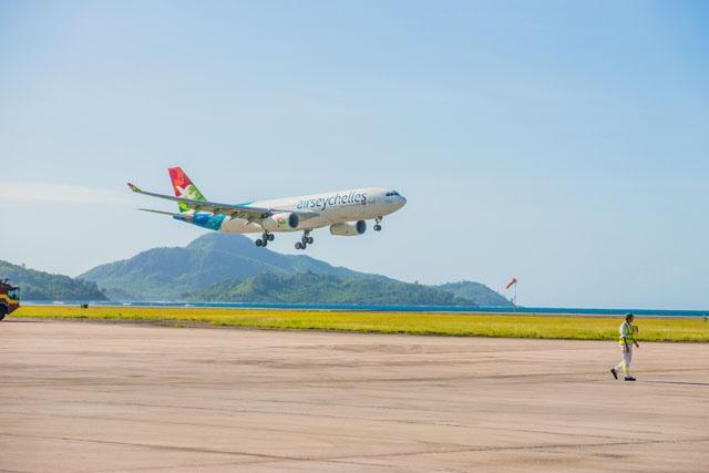 Air Seychelles : les premiers passagers transportés de France sont arrivés à Mahé