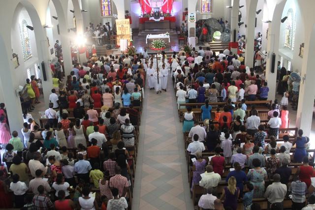 L'évêque catholique des Seychelles: l'enquête du Vatican nous a aidé à être plus ouvert sur la vie de famille et le rôle de l'église