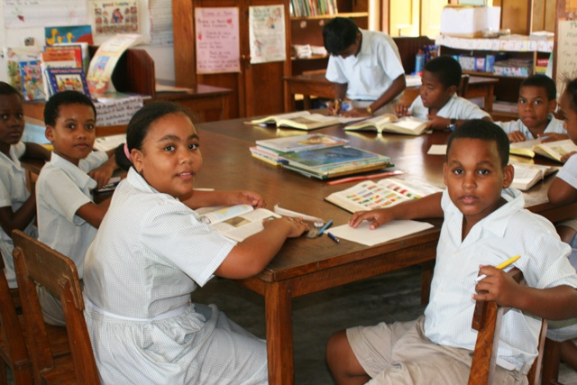Has the number of Seychellois children not attending school increased?