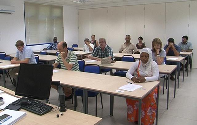 76 % de taux de réussite lors du premier examen pour les candidats qui aspirent à être des citoyens des Seychelles