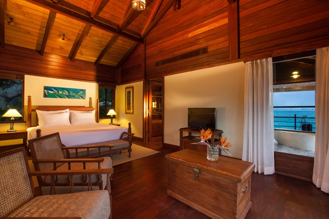 Enchanted Island Resort,  hôtel  des Seychelles- un bel exemple d'un propriétaire seychellois, selon le ministre St Ange