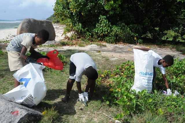 Seychelles joins worldwide campaign to keep the planet clean