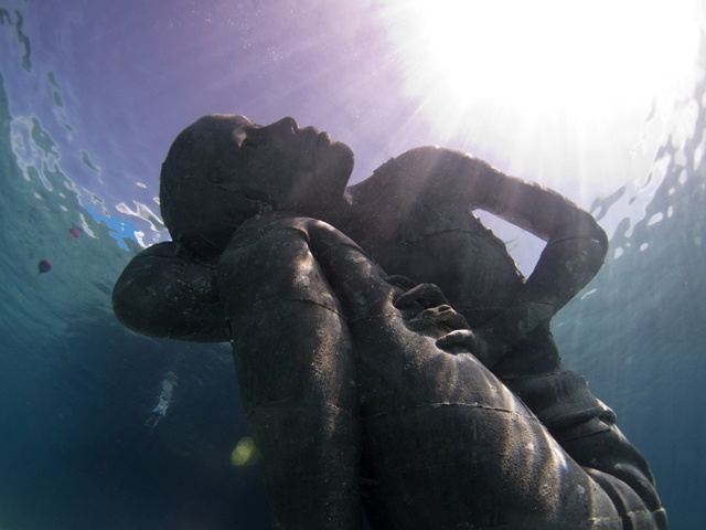 Enormous underwater statue represents the plight of islands battling climate change