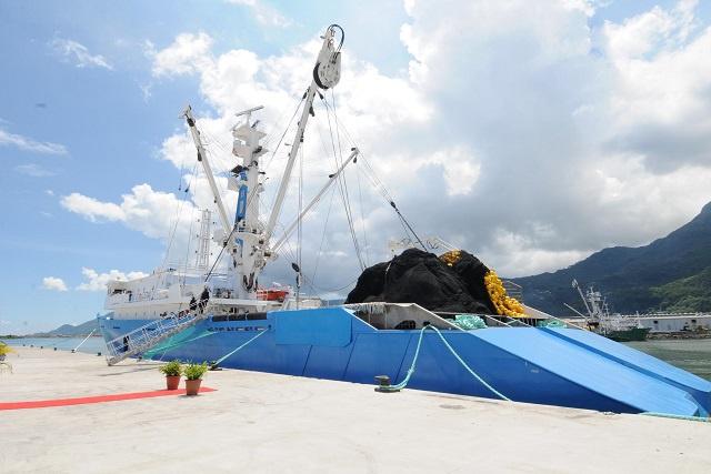 Sapmer dévoile son nouveau thonier flambant neuf qui opérera aux Seychelles