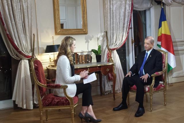 Le président des Seychelles « Le changement climatique est la menace la plus sérieuse de notre époque » - Interview sur France 24