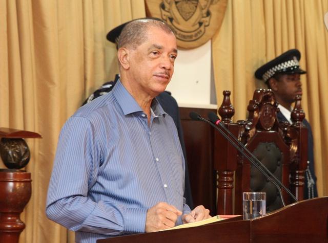 Le président des Seychelles « Le Club de Paris » a accédé à sa requête en échangeant la dette des Seychelles au profit du financement de la lutte contre le changement climatique.