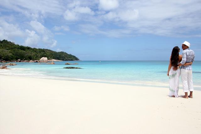 Anse Lazio reçoit le titre de la meilleure plage aux Seychelles par les utilisateurs de TripAdvisor