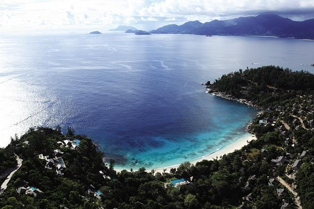 Une avancée vers un tourisme durable : l'hôtel « Four Seasons aux Seychelles » met en place un projet de restauration des récifs coralliens