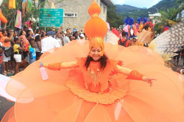 Que la fête commence ! Le compte à rebours du 5e carnaval de Victoria aux  Seychelles.