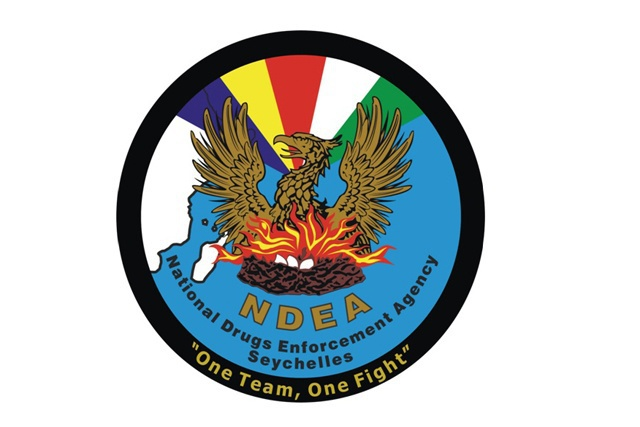 Les Seychelles demandent à Interpol d'émettre 'une Notice Bleue» contre quatre personnes suspectées de trafic de drogue.