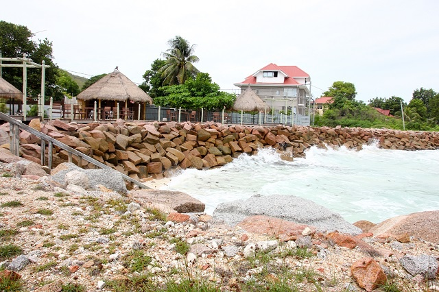 Tackling climate change: community-based NGO in Seychelles secures funding to restore eroded coastline