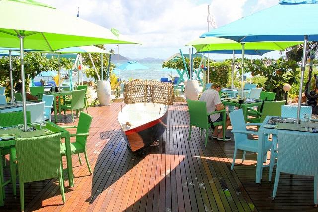 Remonter le temps pour créer un piège à poissons moderne ! C'est le concept du nouveau restaurant de fruits de mer qui vient d'ouvrir sur l'île de La Digue aux Seychelles