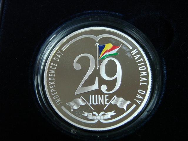 La Banque Centrale des Seychelles dévoile la pièce commémorative en honneur à la célébration de la nouvelle Fête nationale