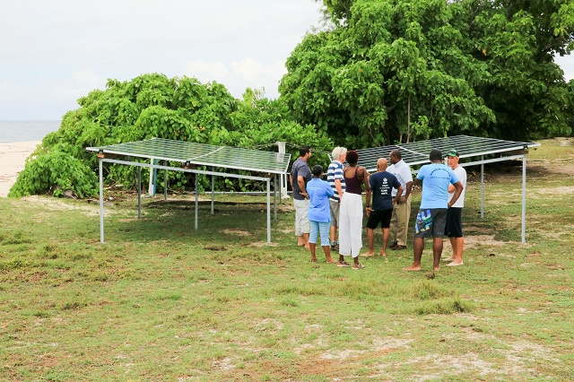 Third island in the Seychelles fully powered by the Sun with big help from crowdfunding