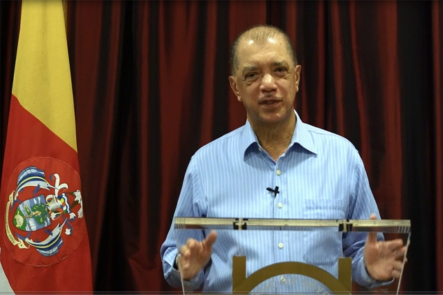 Seychelles President James Michel calls early elections seeking third and final mandate