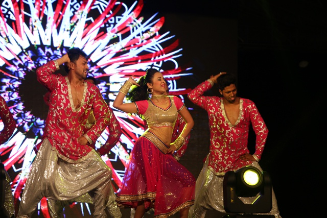 Crowds flock to Seychelles capital to see stars perform in Indian musical spectacular
