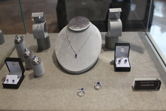 New gem in the heart of Victoria: South-African jewelry company chooses Seychelles to open its first store outside mainland Africa