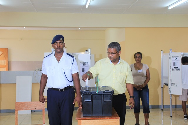 Wavel Ramkalawan cast his vote at St Louis saying he is 'expecting good results' in the 2015 presidential elections in Seychelles