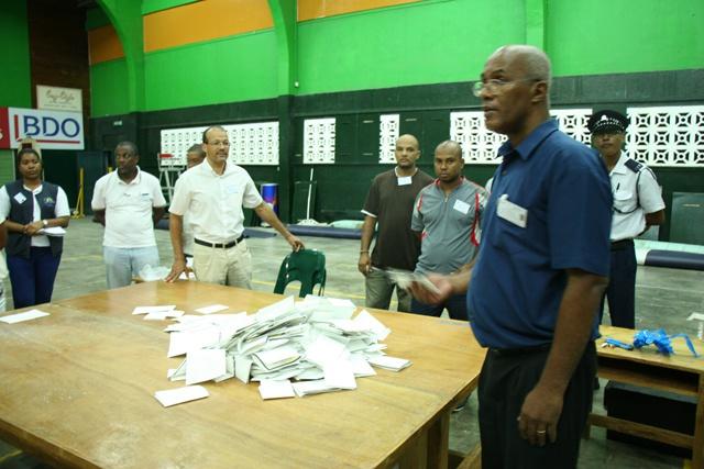 Le décompte des bulletins de vote a commencé dans de nombreux districts des Seychelles