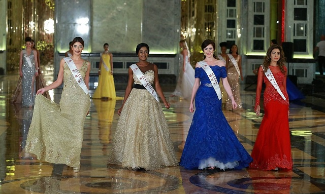 Miss Seychelles sparkles in 'golden sunset' dress at Miss World 2015