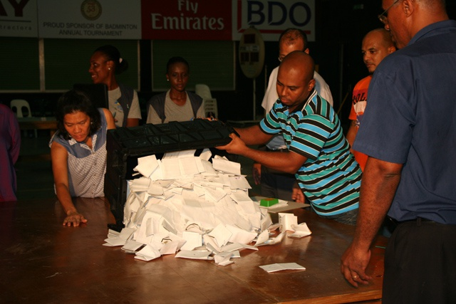 Vote counting underway in Seychelles presidential run-off as all polling stations close on time