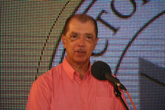 James Michel réélu président des Seychelles avec 50,15 % des voix