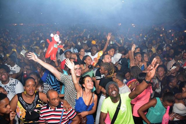 Les Seychelles accueillent 2016 avec Street Party