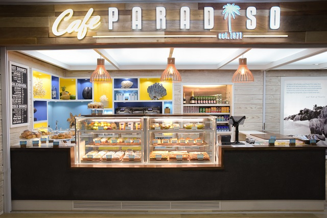 Last taste of paradise before departure: Café opens at airport