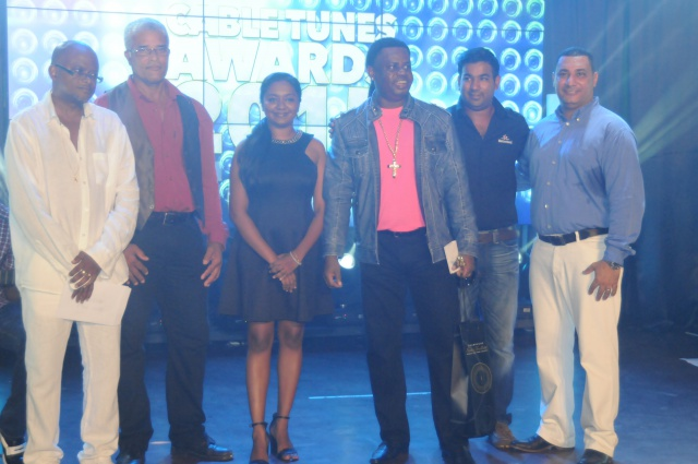 Seychelles top selling artists shine at Cable Tunes Music Awards