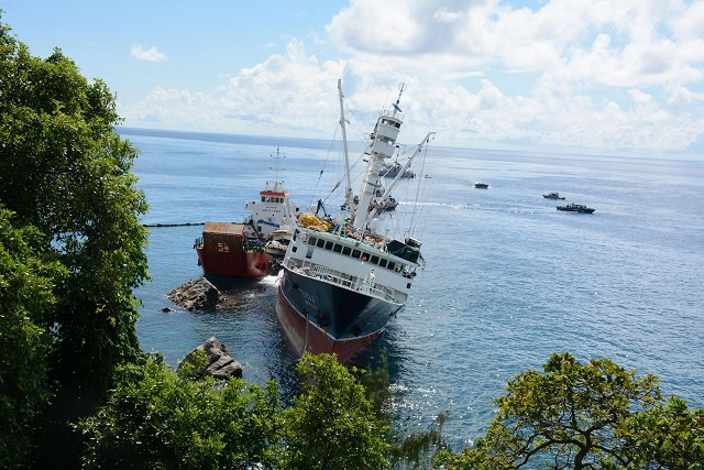 Second day of salvage work begins on grounded ship in Seychelles