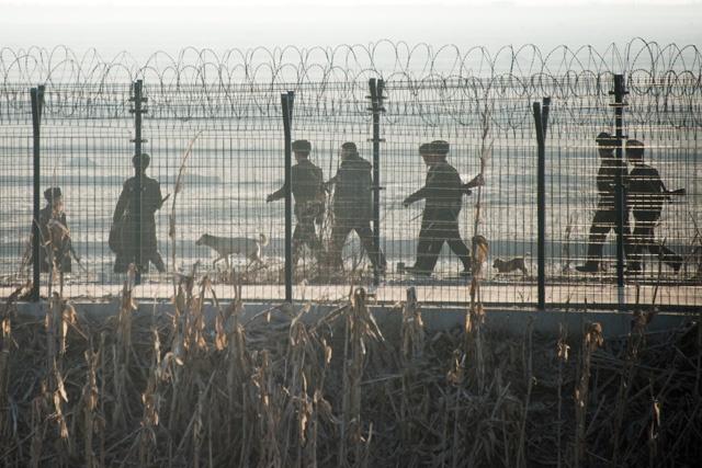 Corée du Nord: Kim Jong-un ordonne de nouveaux essais nucléaires (agence officielle)
