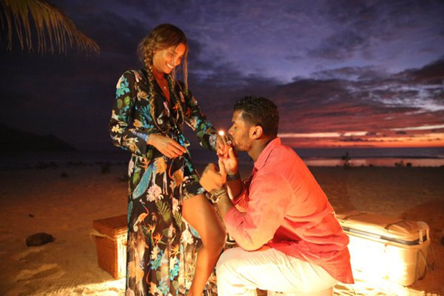 'She said yes!' American singer, football star get engaged in Seychelles