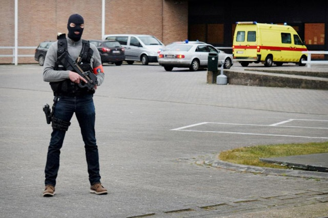 Paris attacks suspect Abdeslam 'wanted to blow himself up' at stadium