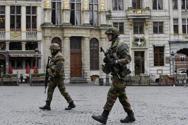 Attentats de Bruxelles: deux frères liés à ceux de Paris seraient impliqués