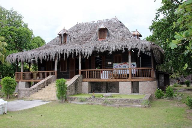 Une demeure de plantation emblématique des Seychelles s'offre une nouvelle jeunesse à la française