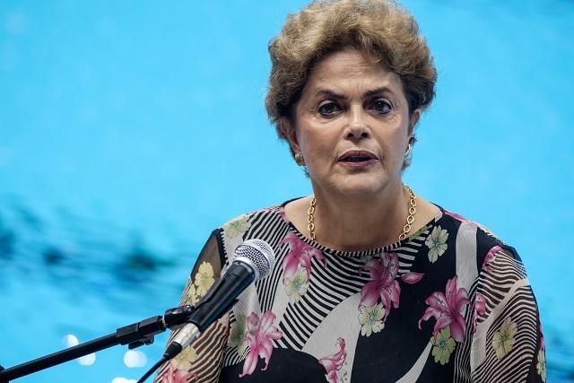 Brésil: une commission parlementaire recommande la destitution de Dilma Rousseff