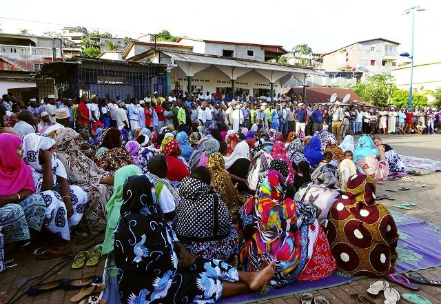 Violences urbaines à Mayotte en marge de la grève générale