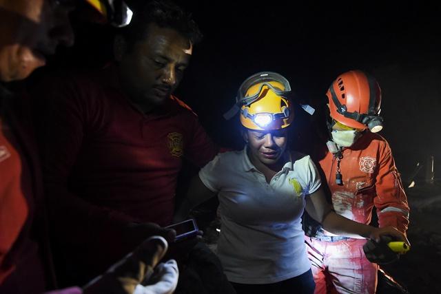 En Equateur, le bilan s'alourdit 48 heures après un séisme meurtrier
