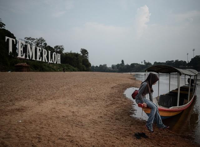 El Nino dries up Asia as its stormy sister La Nina looms