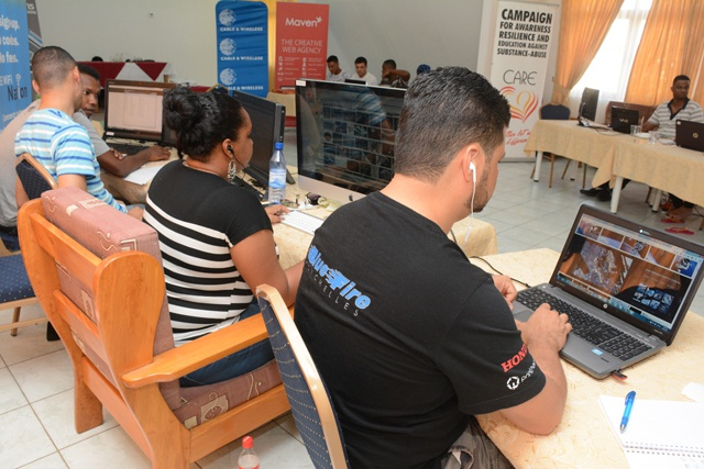 The 'space challenge' is on! Three Seychelles' teams compete, have fun creating the best website