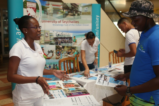 University of Seychelles holds road show to increase number of applicants for international courses