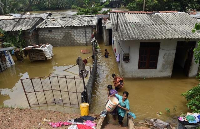 Rescuers find 16 bodies after Sri Lanka landslides