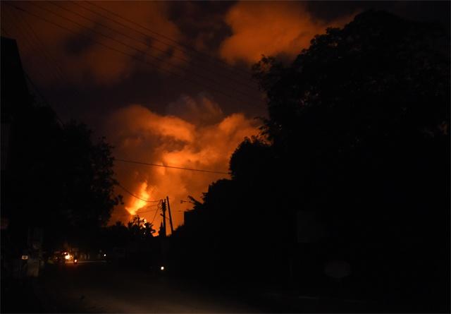 Sri Lanka ammunition blasts destroy hundreds of homes